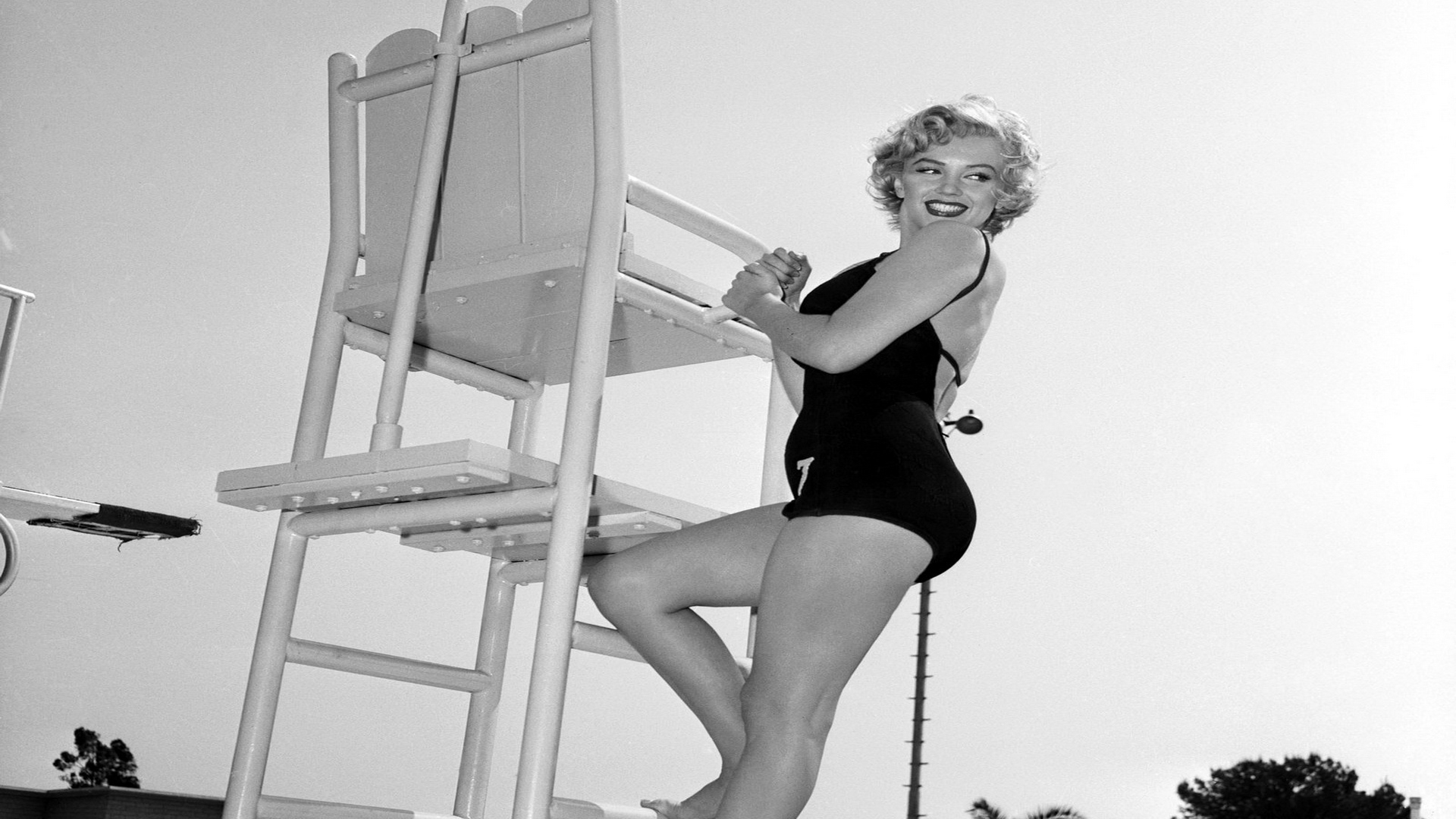 Marilyn-Monroe-new-2012-black-and-white-wallpapers-4